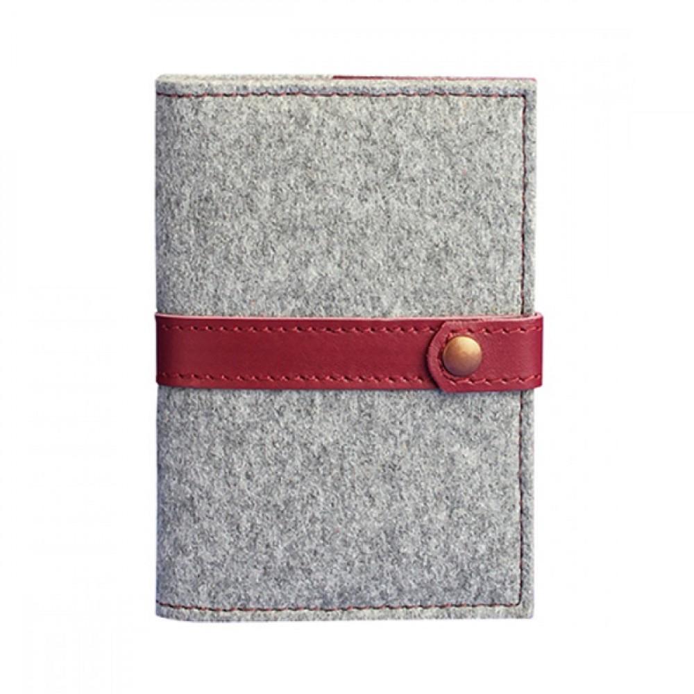 Обложка для паспорта на кнопке BlankNote 1.1 Фьорд Виноград серый фетр + бордовая кожа BN-OP-1-1-felt-vin